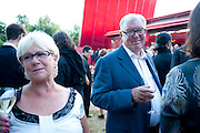 LANA DUNPHY; FRANK DUNPHY, The Summer Party. Serpentine Gallery. 8 July 2010. -DO NOT ARCHIVE-© Copyright Photograph by Dafydd Jones. 248 Clapham Rd. London SW9 0PZ. Tel 0207 820 0771. www.dafjones.com.