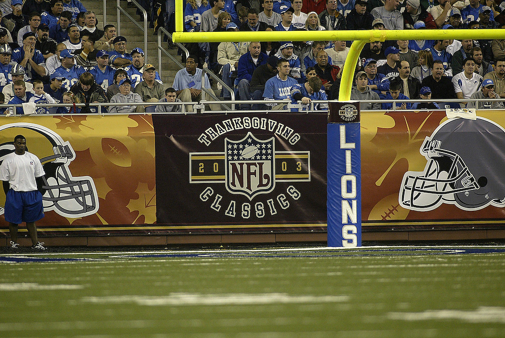 Thanksgiving Classics wall banners during the Detroit Lions 22-14 victory over the Green bay Packers on 11/27/2003. ©JC Ridley/NFL Photos.