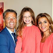 NLD/Zevenhuizen/20150709 -  Koningin Maxima opent het Leontienhuis, een initiatief van oud-wielrenster Leontien Zijlaard-van Moorsel, Leontien Zijlaard-van Moorsel met partner Michael Zijlaard en hun dochter Indy