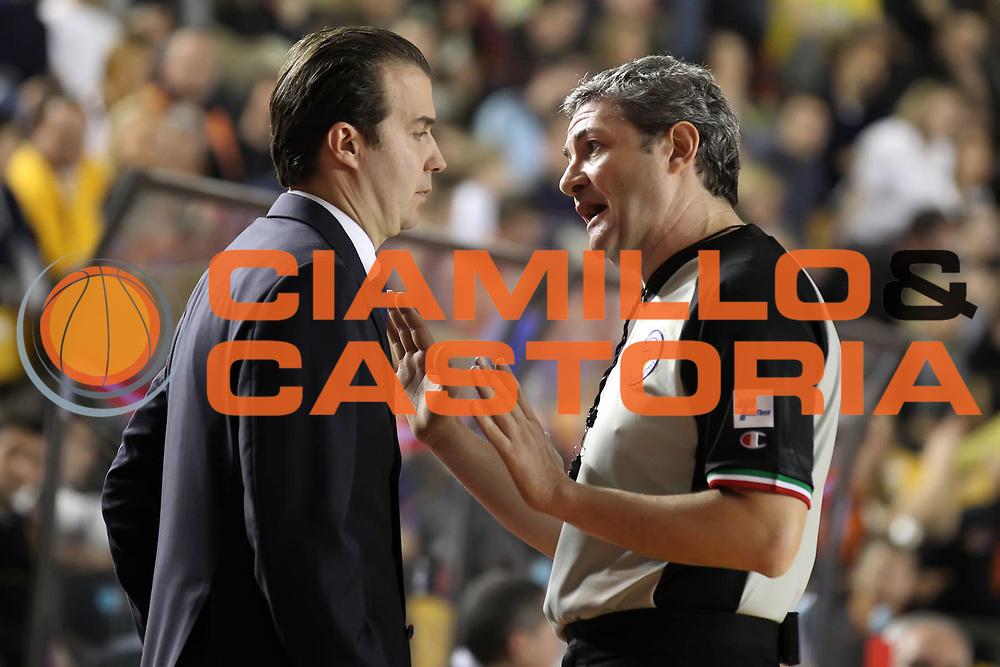 DESCRIZIONE : Roma Campionato Lega A 2011-12 Acea Virtus Roma<br /> Montepaschi Siena<br /> GIOCATORE : Luigi Lamonica Simone Pianigiani<br /> CATEGORIA : arbitro referees coach<br /> SQUADRA : AIAP Montepaschi Siena<br /> EVENTO : Campionato Lega A 2011-2012<br /> GARA : Acea Virtus Roma Montepaschi Siena<br /> DATA : 26/02/2012<br /> SPORT : Pallacanestro<br /> AUTORE : Agenzia Ciamillo-Castoria/ElioCastoria<br /> Galleria : Lega Basket A 2011-2012<br /> Fotonotizia : Roma Campionato Lega A 2011-12 Acea Virtus Roma Montepaschi Siena<br /> Predefinita :