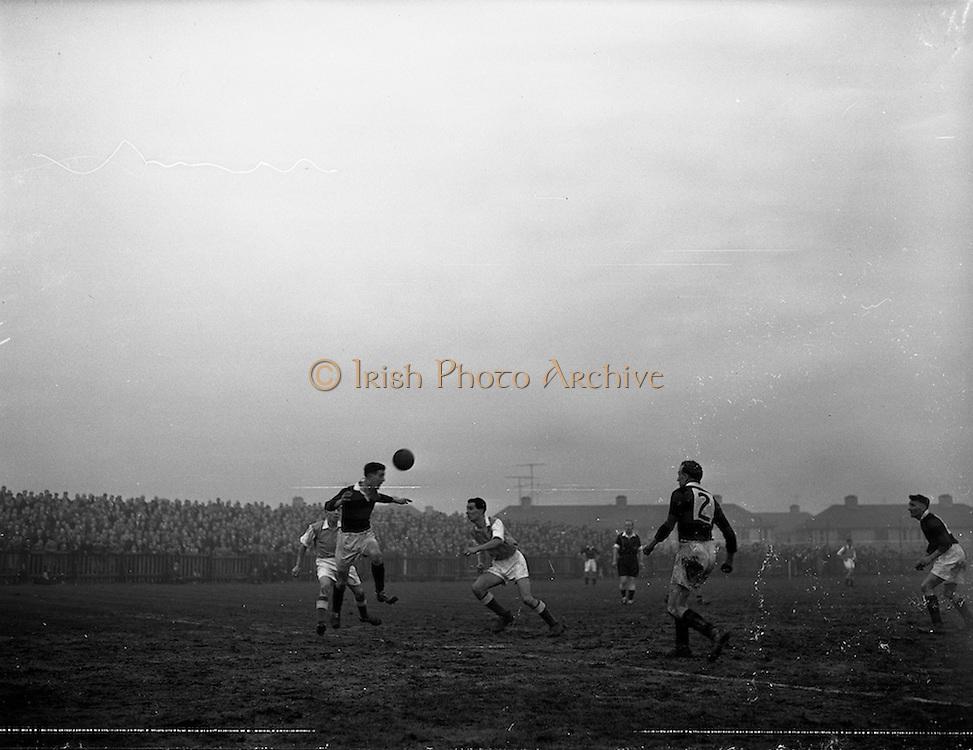 08/02/1959<br /> 02/08/1959<br /> 02 February 1959<br /> F.A.I. Intermediate Cup Final: Bray Wanderers v Albert Rovers at Rutland Avenue, Dublin.