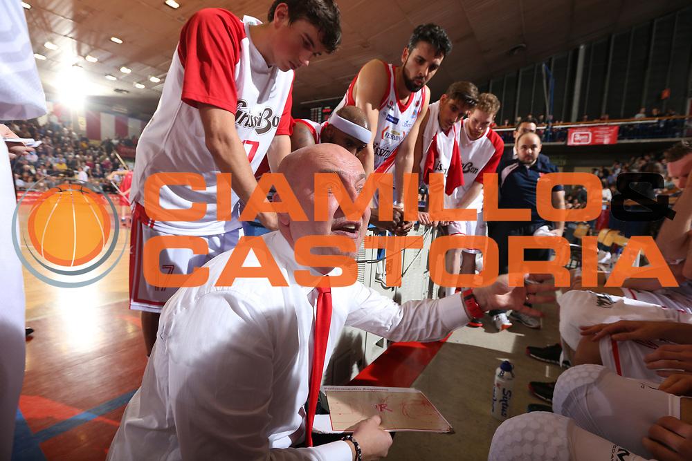 DESCRIZIONE : Reggio Emilia Lega A 2014-15 Grissin Bon Reggio Emilia EA7 Emporio Armani Olimpia Milano<br /> GIOCATORE : Massimiliano Menetti<br /> CATEGORIA : timeout<br /> SQUADRA : Grissin Bon Reggio Emilia<br /> EVENTO : Campionato Lega A 2014-2015<br /> GARA : Grissin Bon Reggio Emilia EA7 Emporio Armani Olimpia Milano<br /> DATA : 10/11/2014<br /> SPORT : Pallacanestro <br /> AUTORE : Agenzia Ciamillo-Castoria/E.Rossi<br /> Galleria : Lega Basket A 2014-2015 <br /> Fotonotizia : Reggio Emilia Lega A 2014-15 Grissin Bon Reggio Emilia EA7 Emporio Armani Olimpia Milano
