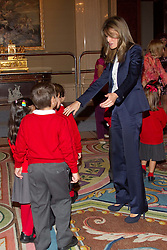 """27.09.2010, La Zarzuela Palace, Madrid, ESP, Princess Letizia hearings at La Zarzuela Palace, im Bild Princess Letizia attended an audience to a representation of the Public School CEIP """"La Dehesa del Principe"""" at Zarzuela Palace in Madrid. EXPA Pictures © 2010, PhotoCredit: EXPA/ Alterphotos/ Cesar Cebolla +++++ ATTENTION - OUT OF SPAIN / ESP +++++"""
