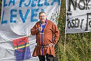 John Kappfjell, samepolitiker som representerer Arbeiderpartiet på Sametinget, i sørsamisk valgkrets. Er ellers reineier ved Voengel Njarke Reinbeitedistrikt i Majavatn i Nordland.