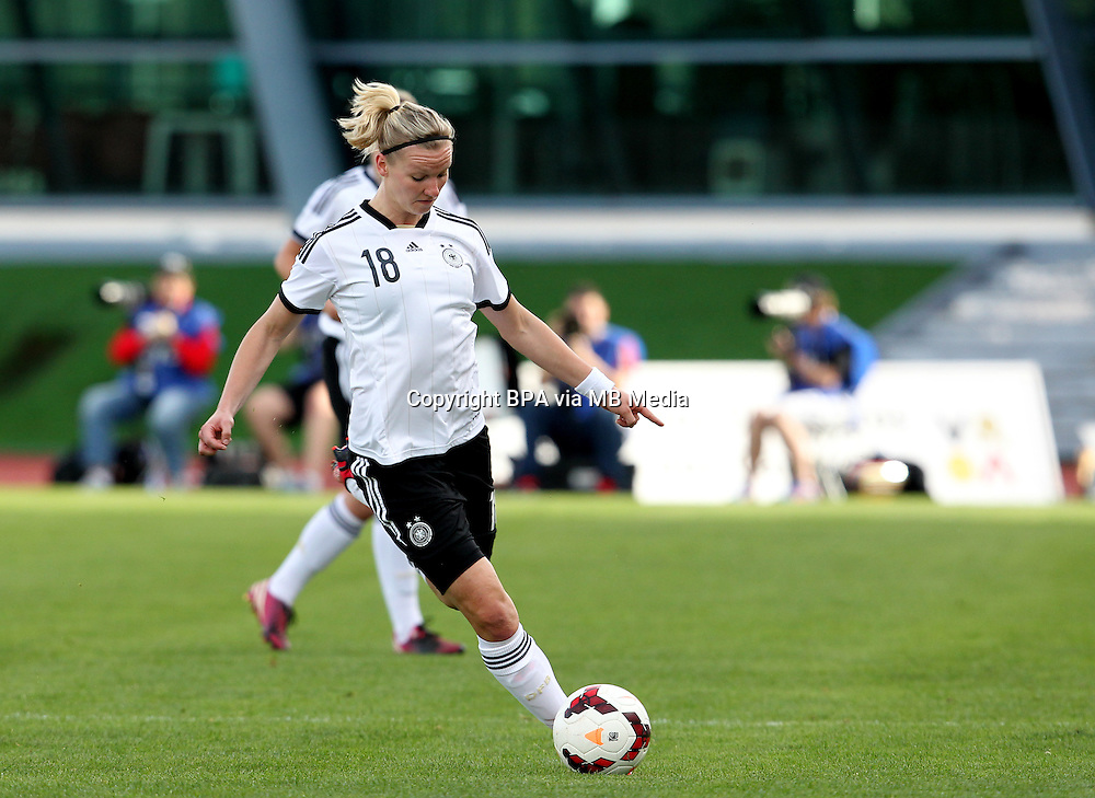 Fifa Womans World Cup Canada 2015 - Preview //<br /> Algarve Cup 2015 Tournament ( Vila Real San Antonio Sport Complex - Portugal ) - <br /> Germany vs Sweden 2-4   -  Alexandra Popp of Germany
