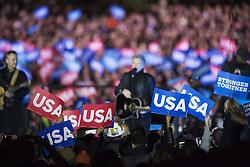November 8, 2016 - Philadelphia, USA - 161107 Publik viftar med USA-plakat under en kampanj fÅ¡r Hillary Clinton som USA:s president den 7 november 2016 i Philadelphia  (Credit Image: © Joel Marklund/Bildbyran via ZUMA Wire)
