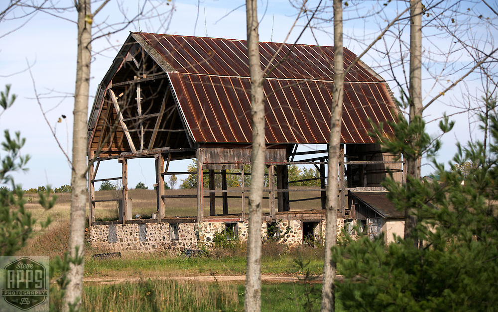 A collection of Barns that still can be seen while traveling the countryside in  the beautiful State of Wisconsin.<br /> Waushara County- Barn with no side and silo. County Road-O, west of Hwy 22. Barns from around the State of Wisconsin.