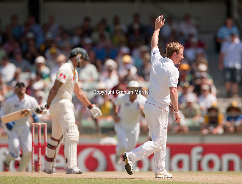 Paul Collingwood celebrates the wicket of Mitchell Johnson during the third Ashes test match between Australia and England at the WACA (West Australian Cricket Association) ground in Perth, Australia. Photo: Graham Morris (Tel: +44(0)20 8969 4192 Email: sales@cricketpix.com) 18/12/10