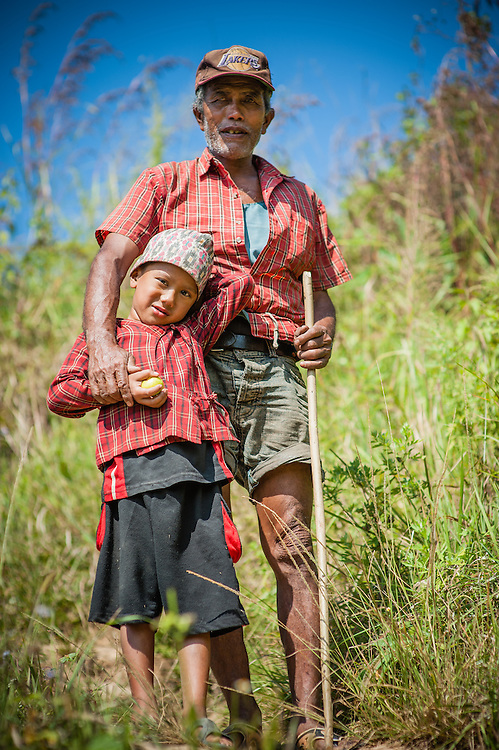 Father and son in Bandipur (Nepal)