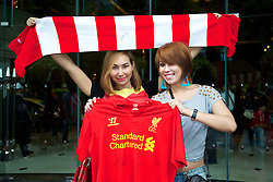 BANGKOK, THAILAND - Friday, July 26, 2013: Liverpool supporters wait for autographs from the players at the team's Plaza Athenee Hotel ahead of the preseason friendly match against Thailand. (Pic by David Rawcliffe/Propaganda)