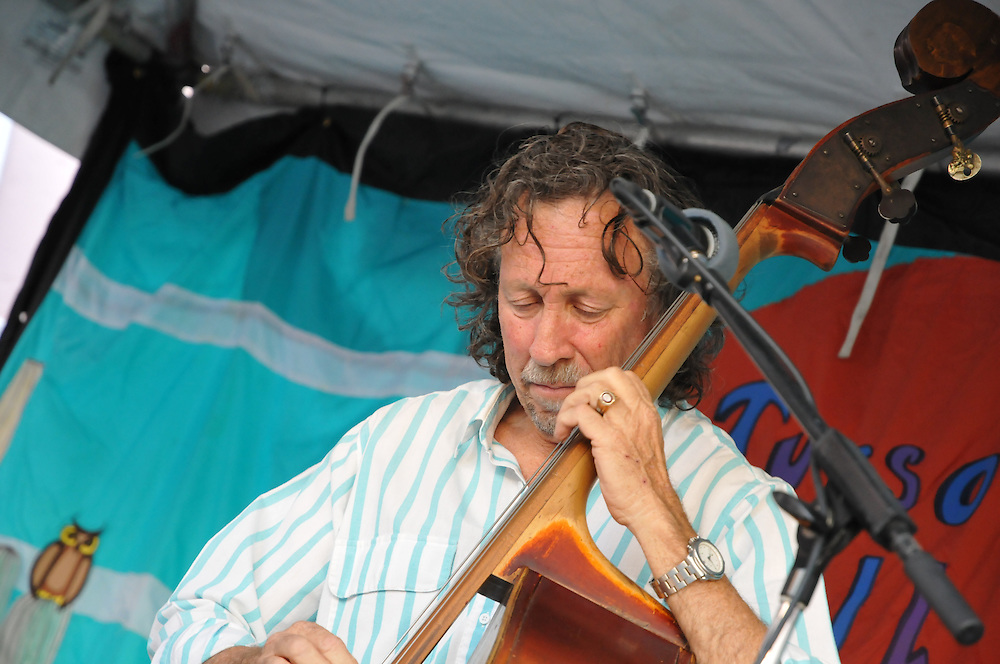 Arnold Klingenfuss Ensemble in concert at the 2011 Tucson Folk Festival in Downtown Tucson, Arizona. Event photography by Martha Retallick.