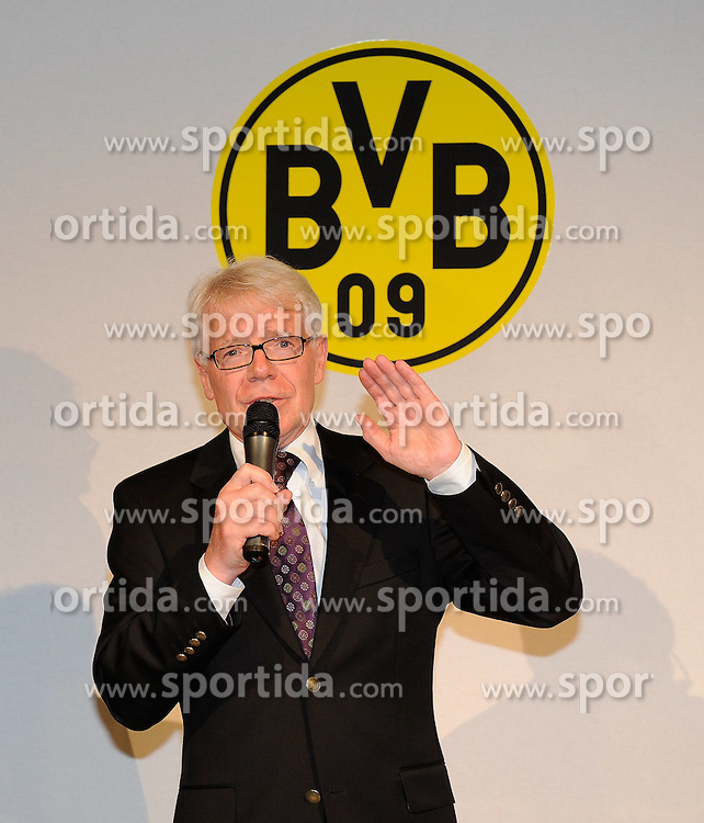 14.05.2011, U-Haus, Dortmund, GER, 1.FBL, Borussia Dortmund Meisterbankett im Bild Ansprache Präsident Dr. Reinhard RAUBALL vor BVB Logo, //   German 1.Liga Football ,  Borussia Dortmund Championscelebration, Dortmund, 14/05/2011 . EXPA Pictures © 2011, PhotoCredit: EXPA/ nph/  Conny Kurth       ****** out of GER / SWE / CRO  / BEL ******