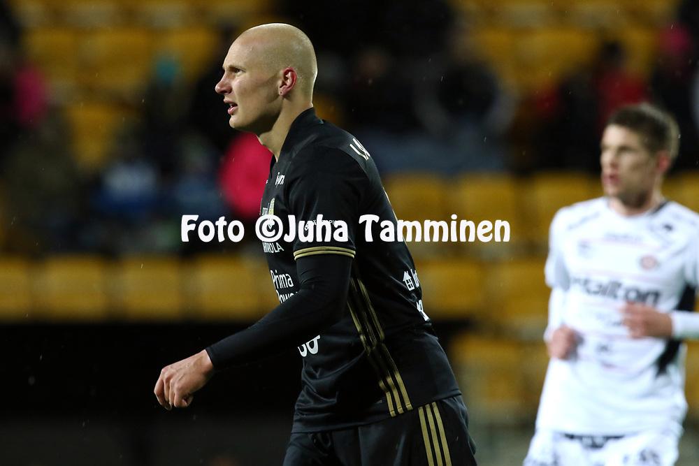 5.4.2017, OmaSP Stadion, Sein&auml;joki.<br /> Veikkausliiga 2017.<br /> Sein&auml;joen Jalkapallokerho - FC Lahti.<br /> Johannes Laaksonen - SJK