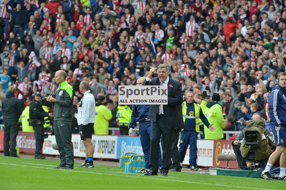 Screw the nut - Sunderland manager Sam Allardyce tells his players to screw the nut after his team opened the scoring against Newcastle......(c) BILLY WHITE | SportPix.org.uk