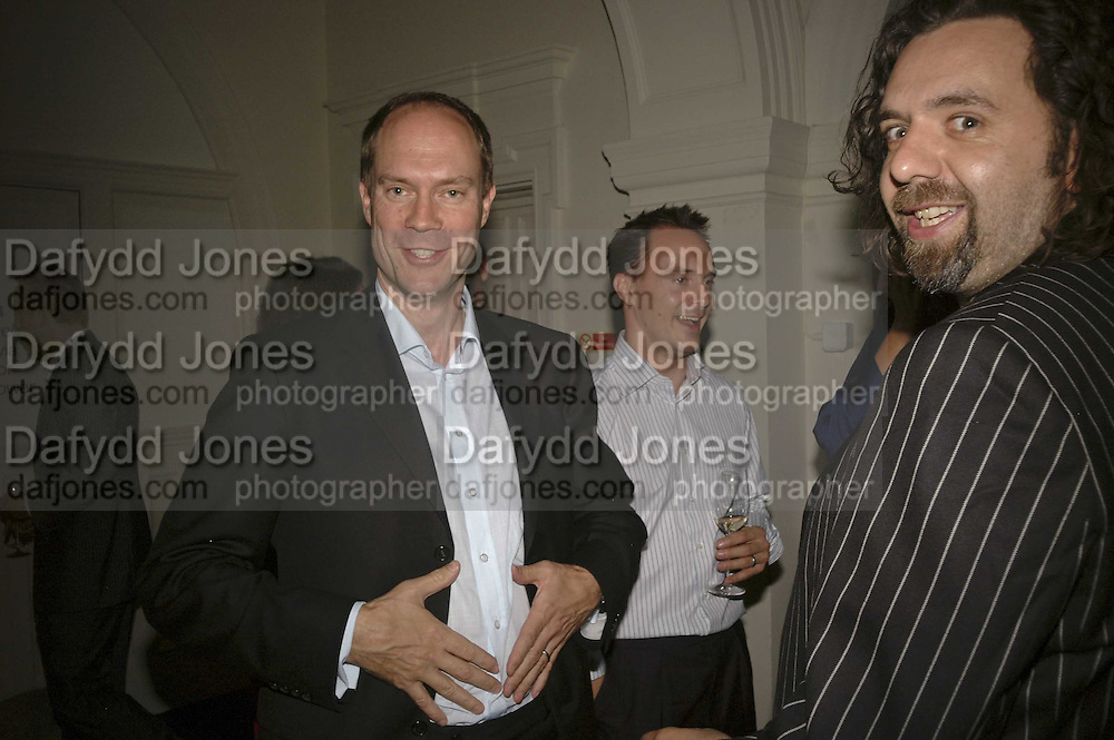 Harry Blain and Keith Tyson, VIP opening of Bill Viola exhibition Love/Death: The Tristan project. Haunch of Venison, St Olave's College, Tooley St. London and Dinner afterwards at Banqueting House. Whitehall. 19 June 2006. ONE TIME USE ONLY - DO NOT ARCHIVE  © Copyright Photograph by Dafydd Jones 66 Stockwell Park Rd. London SW9 0DA Tel 020 7733 0108 www.dafjones.com