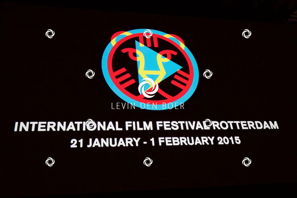 ROTTERDAM - In Theater De Goede Doelen is de 44ste International Film Festival Rotterdam geopend. Diversen genodigden en internationale sterren waren hierbij aanwezig. Met hier op de foto het logo bij de opening op het grote doek. FOTO LEVIN DEN BOER - PERSFOTO.NU