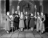 1952 - Carol singers in Dublin