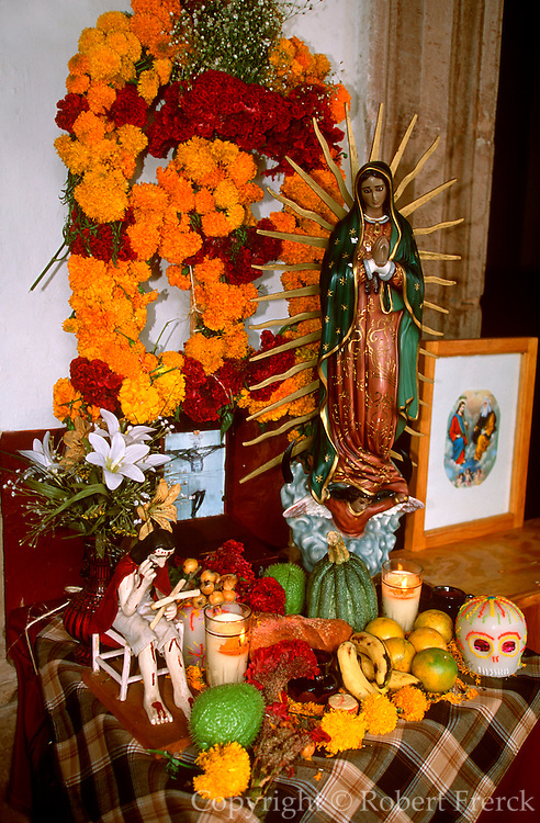 MEXICO, PATZCUARO, FESTIVALS Days of the Dead, offerings on altar