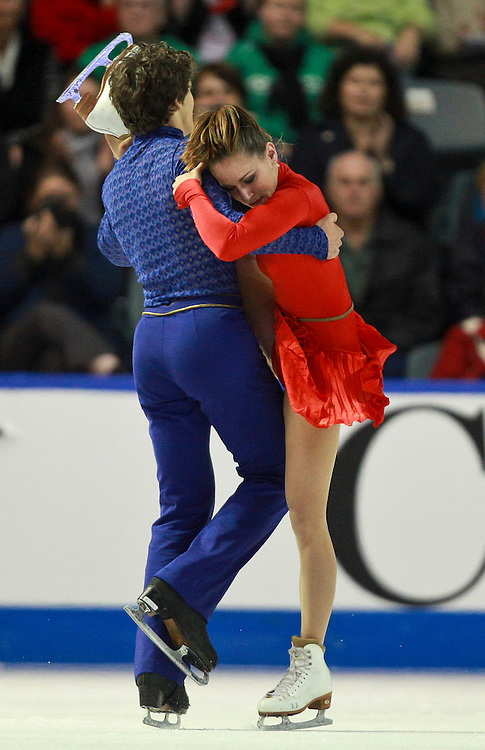 20101031 -- Kingston, Ontario -- Vanessa Crone and Paul Poirier of Canada skate to victory in the dance competition at Skate Canada International in Kingston, Ontario, Canada, October 31, 2010. <br /> AFP PHOTO/Geoff Robins