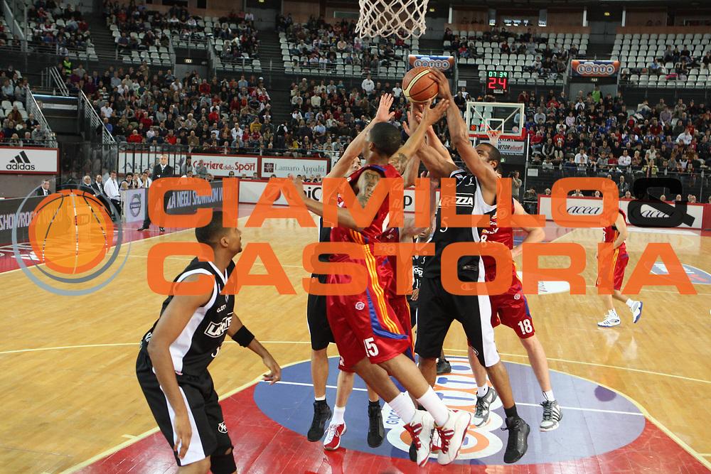 DESCRIZIONE : Roma Lega A1 2008-09 Lottomatica Virtus Roma La Fortezza Virtus Bologna<br /> GIOCATORE : Allan ray<br /> SQUADRA : Lottomatica Virtus Roma<br /> EVENTO : Campionato Lega A1 2008-2009<br /> GARA : Lottomatica Virtus Roma La Fortezza Virtus Bologna<br /> DATA : 30/11/2008<br /> CATEGORIA : Rimbalzo<br /> SPORT : Pallacanestro<br /> AUTORE : Agenzia Ciamillo-Castoria/G.Ciamillo