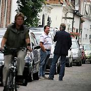 NLD/Naarden/20080814 - Maurits Regenboog en Catherine Keyl gaan uit elkaar, Maurits in gesprek met verslaggever Edwin Bredius