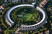Nederland, Utrecht, Gemeente Amersfoort, 03-10-2010; circulair bouwblok in de nieuwbouwwijk Nieuwland..The new district Nieuwland..luchtfoto (toeslag), aerial photo (additional fee required) foto/photo Siebe Swart