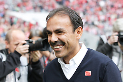 26.10.2013, Allianz Arena, Muenchen, GER, 1. FBL, FC Bayern Muenchen vs Hertha BSC Berlin, 10. Runde, im Bild Chef-Trainer Jos LUHUKAY (Hertha BSC) gut gelaunt // during the German Bundesliga 10th round match between FC Bayern Munich and Hertha BSC Berlin at the Allianz Arena in Muenchen, Germany on 2013/10/26. EXPA Pictures © 2013, PhotoCredit: EXPA/ Eibner-Pressefoto/ Kolbert<br /> <br /> *****ATTENTION - OUT of GER*****