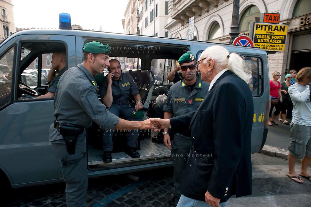Roma 31 Maggio 2011.Marco Pannella  saluta la Guardia di Finanza