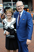 Koningsdag 2014 in Amstelveen, het vieren van de verjaardag van de koning. / Kingsday 2014 in Amstelveen, celebrating the birthday of the King. <br /> <br /> <br /> Op de foto / On the photo:  Prinses Margiet en Pieter van Vollenhoven / Princess Margiet and Pieter van Vollenhoven