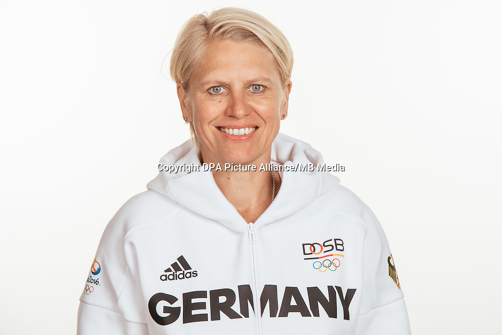 Doris Fitschen poses at a photocall during the preparations for the Olympic Games in Rio at the Emmich Cambrai Barracks in Hanover, Germany, taken on 15/07/16 | usage worldwide