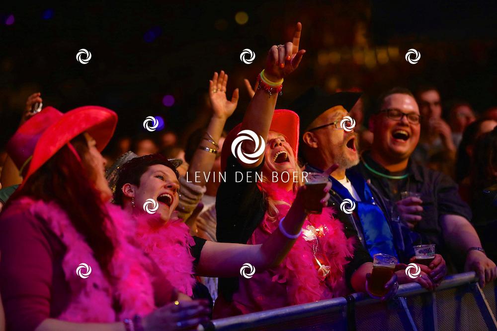 ARNHEM - In de Gelredome is weer het jaarlijkse Mega Piraten Festijn gehouden. Met hier op de foto  uitgedost publiek. FOTO LEVIN EN BOER - PERSFOTO.NU