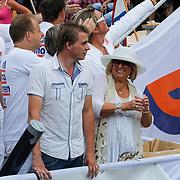 NLD/Amsterdam/20120804 - Canalparade tijdens de Gaypride 2012, VVD boot, Willeke Alberi
