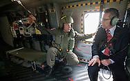 *Exklusiv* Verteidigungsminister Thomas de Maiziere (CDU) fliegt in einem NH 90 in Fassberg. Verteidigungsminister Thomas de Maiziere (CDU) besucht auf seiner Sommerreise das Transporthubschrauberregiment 10 in Fassberg . / 18072012,DEU,Deutschland,Berlin..
