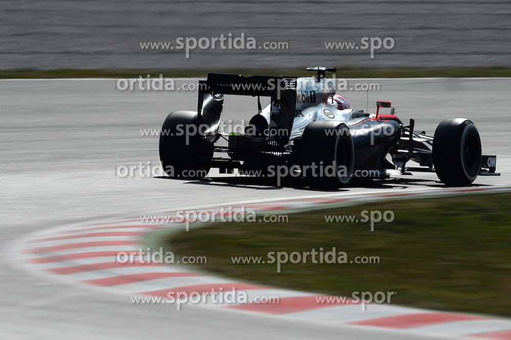 27.02.2015, Circuit de Catalunya, Barcelona, ESP, FIA, Formel 1, Testfahrten, Barcelona, Tag 2, im Bild Jenson Button (GBR) McLaren MP4-30 // during the Formula One Testdrives, day two at the Circuit de Catalunya in Barcelona, Spain on 2015/02/27. EXPA Pictures &copy; 2015, PhotoCredit: EXPA/ Sutton Images/ Patrik Lundin Images<br /> <br /> *****ATTENTION - for AUT, SLO, CRO, SRB, BIH, MAZ only*****