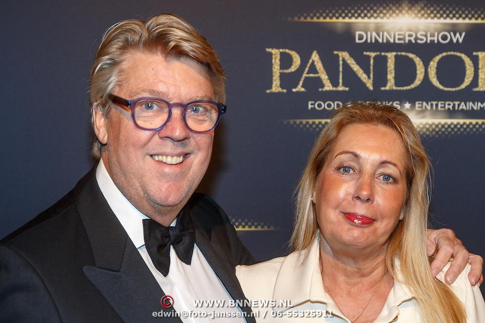 NLD/Hilversum/20151018 - Premiere Studio 21 Pandora, Robert Kranenborg en partner Marjan Nusselder