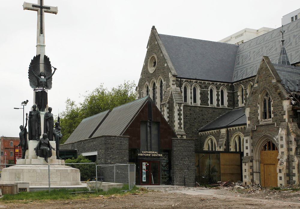 Christ Church Cathedral with earthquake damage, Christchurch, New Zealand, Wednesday, November 09, 2011.  Credit:SNPA / Pam Johnson