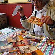 Retratos en casa de Rene Burri, Fotografo Suizo, Miembro de la Agencia Magnum.<br /> Ivry-sur-Seine<br /> Paris, Francia 2008<br /> (Copyright © Aaron Sosa)