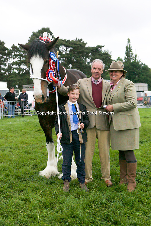Martin Fountain's WOODHOUSE CALENDAR GIRL with Judge Yvonne Simmons<br /> Supreme Shire Show Champion
