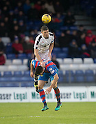 Dundee's Darren O'Dea towers above Inverness' Ross Draper - Inverness Caledonian Thistle v Dundee in the Ladbrokes Scottish Premiership at Caledonian Stadium, Inverness.Photo: David Young<br /> <br />  - © David Young - www.davidyoungphoto.co.uk - email: davidyoungphoto@gmail.com