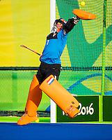 IO DE JANEIRO -  keeper Joyce Sombroek (Ned)  voor  de finale tussen de dames van Nederland en  Groot-Brittannie in het Olympic Hockey Center tijdens de Olympische Spelen in Rio. COPYRIGHT KOEN SUYK