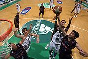 DESCRIZIONE : Siena Lega A1 2006-07 Playoff Semifinale Gara 1 Montepaschi Siena Lottomatica Virtus Roma <br /> GIOCATORE : Dejan Bodiroga<br /> SQUADRA : Lottomatica Virtus Roma <br /> EVENTO : Campionato Lega A1 2006-2007 Playoff<br /> Semiinale Gara 1<br /> GARA : Montepaschi Siena Lottomatica Virtus Roma <br /> DATA : 30/05/2007 <br /> CATEGORIA : Rimbalzo Special<br /> SPORT : Pallacanestro <br /> AUTORE : Agenzia Ciamillo-Castoria/G.Ciamillo<br /> Galleria : Lega Basket A1 2006-2007 <br /> Fotonotizia : Siena Campionato Italiano Lega A1 2006-2007 Playoff Semifinale Gara 1 Montepaschi Siena Lottomatica Virtus Roma <br /> Predefinita :