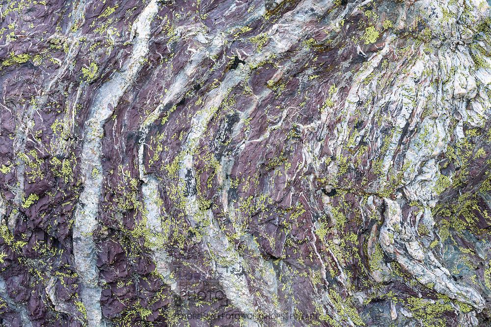 Roter Radiolarit mit Flechten im Grevasalvas, Julier, Parc Ela, Graub&uuml;nden, Schweiz<br /> <br /> Red radiolarit with lichens at Grevasalvas, Julier, Parc Ela, Grisons, Switzerland