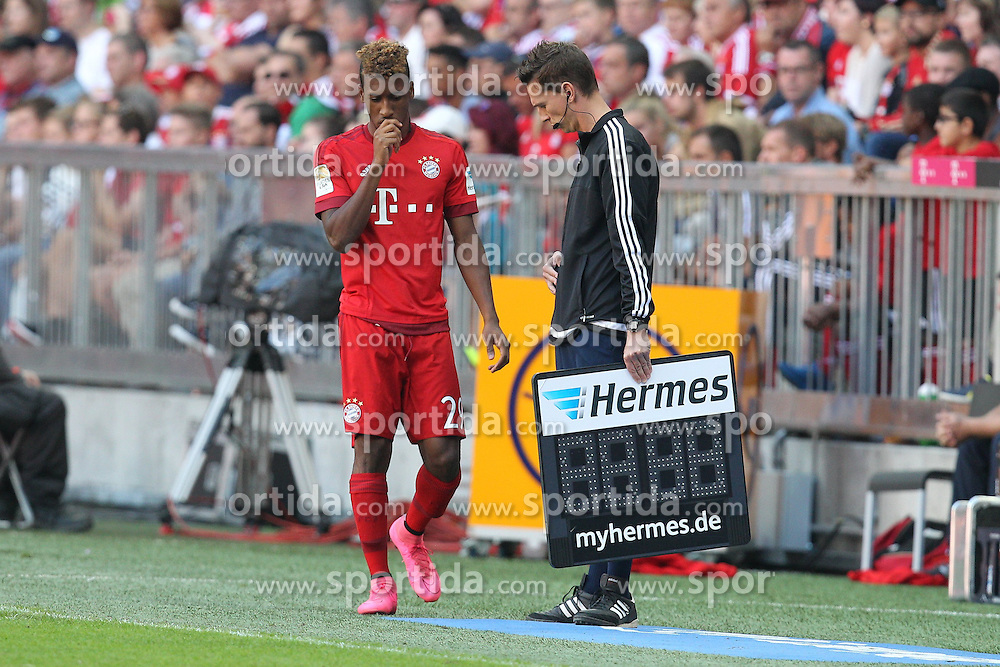 12.09.2015, Allianz Arena, Muenchen, GER, 1. FBL, FC Bayern Muenchen vs FC Augsburg, 4. Runde, im Bild Kingsley Coman #29 (FC Bayern Muenchen) wird eingewechselt // during the German Bundesliga 4th round match between FC Bayern Munich and FC Augsburg at the Allianz Arena in Muenchen, Germany on 2015/09/12. EXPA Pictures &copy; 2015, PhotoCredit: EXPA/ Eibner-Pressefoto/ Kolbert<br /> <br /> *****ATTENTION - OUT of GER*****