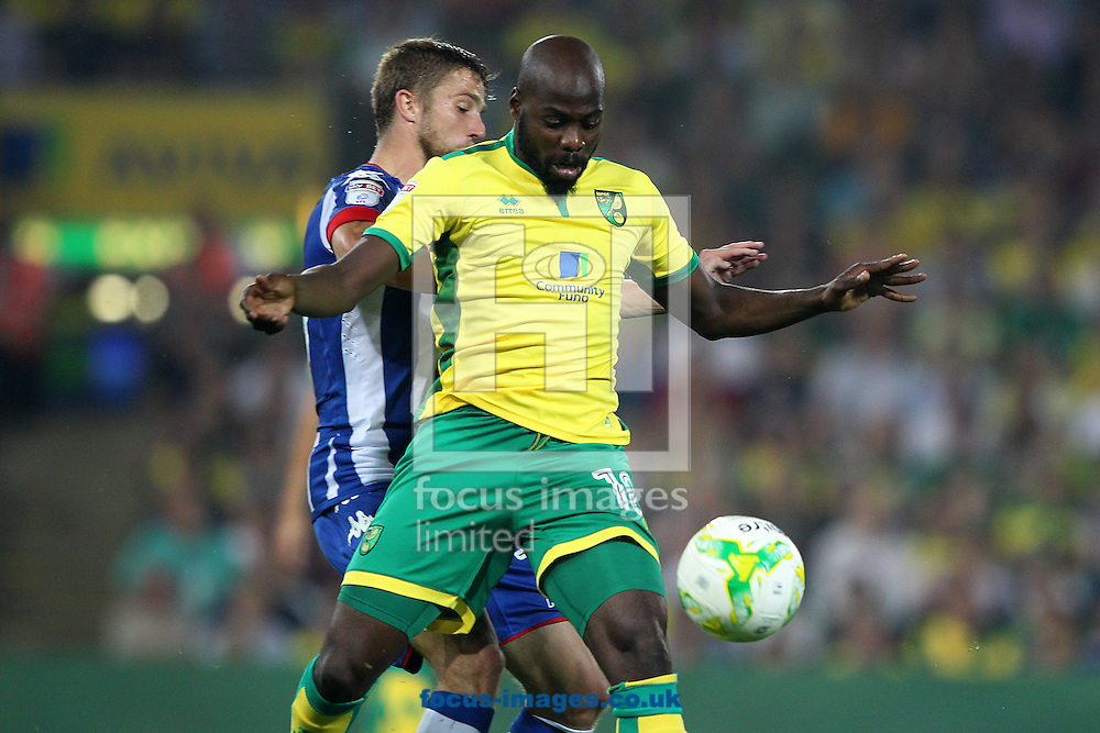 Youssouf Mulumbu of Norwich in action during the Sky Bet Championship match at Carrow Road, Norwich<br /> Picture by Paul Chesterton/Focus Images Ltd +44 7904 640267<br /> 13/09/2016