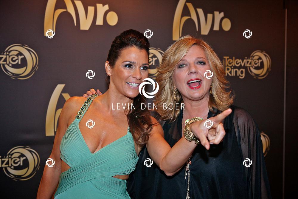 AMSTERDAM - In theater Carre is de Gouden Televizier Ring gala weer geweest.  Met op de foto Quinty Trustfull en Loretta Schrijver. FOTO LEVIN DEN BOER - PERSFOTO.NU