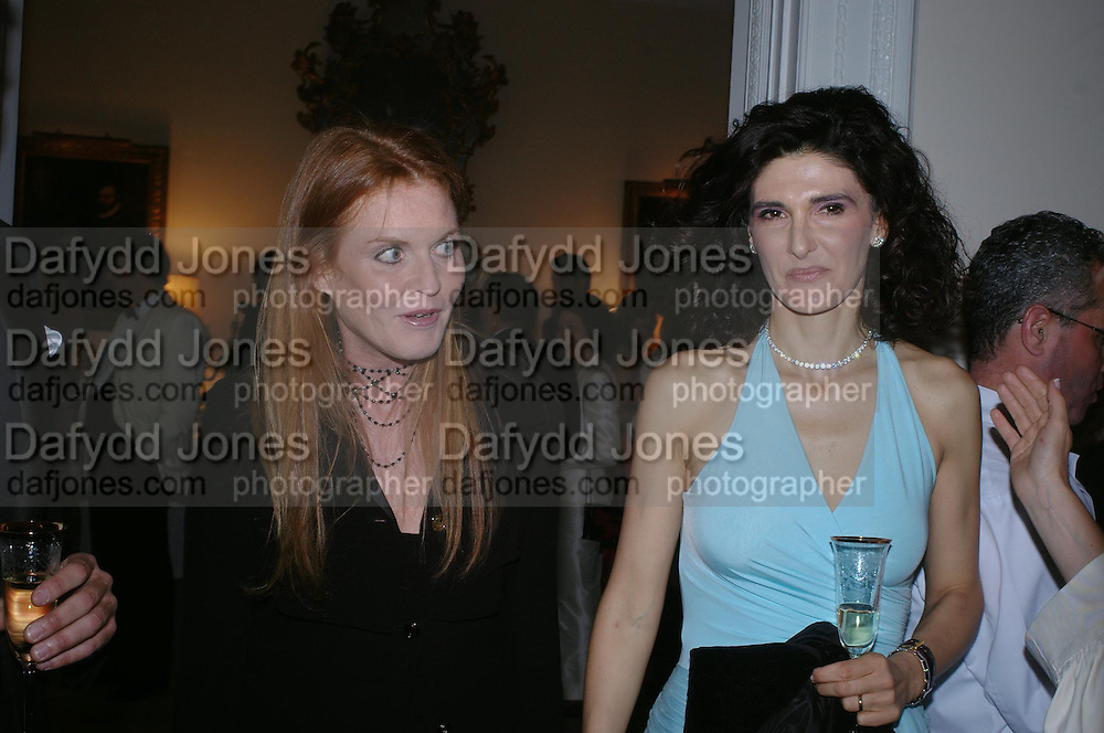 The Duchess of York and Vivia Ferragamo. An Evening in honour of Salvatore Ferragamo hosted by the Ambassador of Italy. The Italian Embassy, 4 Grosvenor Square. London W1. 8 June 2005. ONE TIME USE ONLY - DO NOT ARCHIVE  © Copyright Photograph by Dafydd Jones 66 Stockwell Park Rd. London SW9 0DA Tel 020 7733 0108 www.dafjones.com