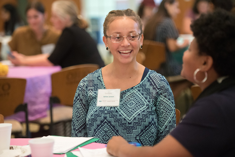Ashlee Jackson talks with her mentor during the Women's Mentoring Meet and Greet event on Sept. 4, 2018 in Walter Rotunda. Photo by Hannah Ruhoff