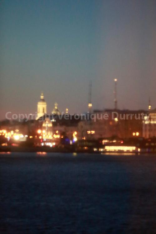 winter light, the Neva viewed from Ermitage museum, St Petersburg, Russia // Lumiere d'hiver, La Neva vue du Musée de  l'Ermitage, St Petersbourg, Russie