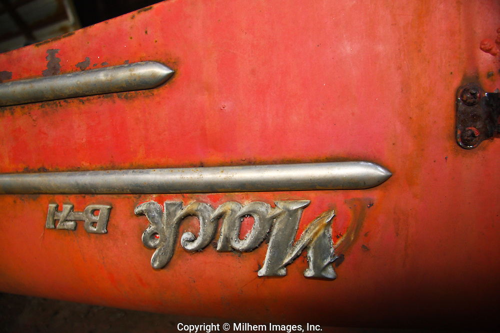 Mack B-17 Truck