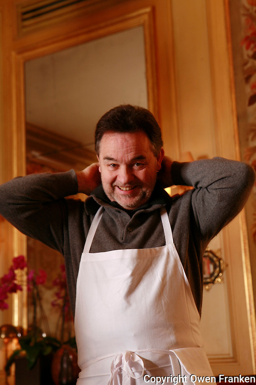 Bernard PACAUD <br /> <br /> Bernard Pacaud is the chef and owner of l'Ambroisie, the three star (Michelin) restaurant in the Place des Vosges, Paris